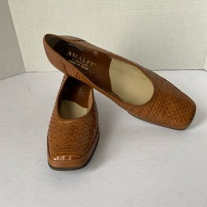 AMALFI BY RANGONI BASKET WEAVE LEATHER PUMPS